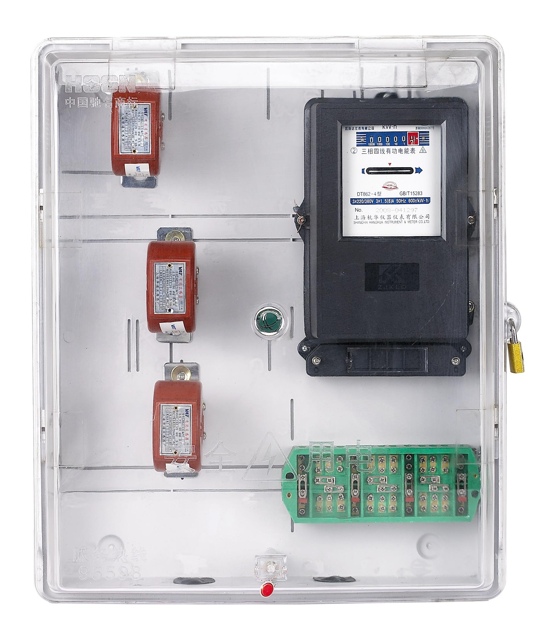 CT式全透明电表箱,防窃型电表箱,玻璃钢电表箱, 外形尺寸:520mm×570mm×142mm 功能特点:全透明一体式设计,美观大方,内可配置进、出线端子排,大功率的二、三级漏保、断路器、联合接线盒、互感器等空间,设计流畅给人一种艺术美感。内可放电子表、机械表(高盖型)、可根据客户要求开设IC卡窗口,控制开关窗口等。 电力聚碳酸酯透明电表箱采用整体一次注塑成型技术,填补了高端电表箱的国内空白。该产品采用新型环保工程塑料PC及PC/ABS合成材料制造,产品具有优良的透明性、电绝缘性、